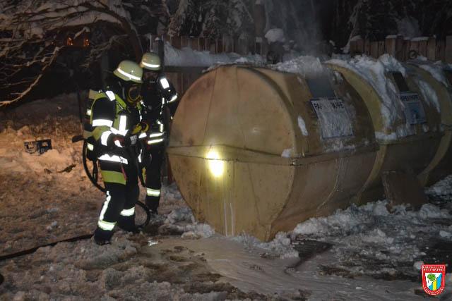Feuerwehr Vaterstetten Containerbrand Einsatz
